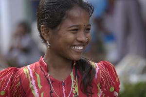 gokhale-method-india-girl-long-neck