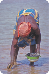 gokhale-method-african-woman-hiphinging-bending